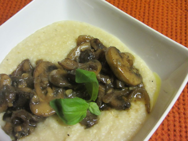 Como Water Mushroom Smothered Grits
